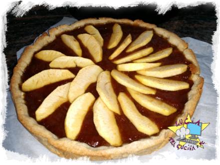 Crostata in pasta frolla di noci con marmellata di fichi e mele
